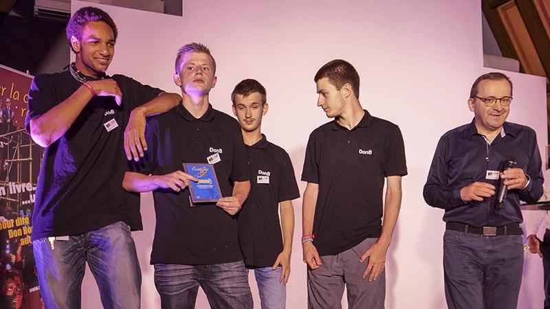 L'équipe allemande venue de Würtzburg, décroche l'Award du meilleur film étranger.